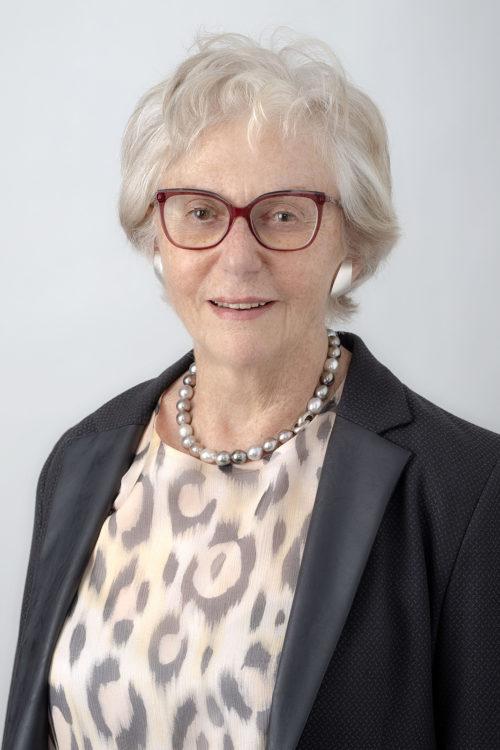 Bewerbungsfoto ältere Person
